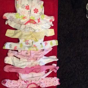 Other - GUC Bundle of baby girl newborn pjs